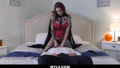 Sexy Vampire Sucks Dick